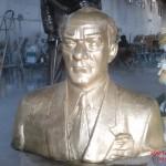 Atatürk Büst Gövdesi